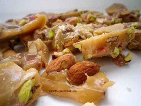 almond pistachio brittle3
