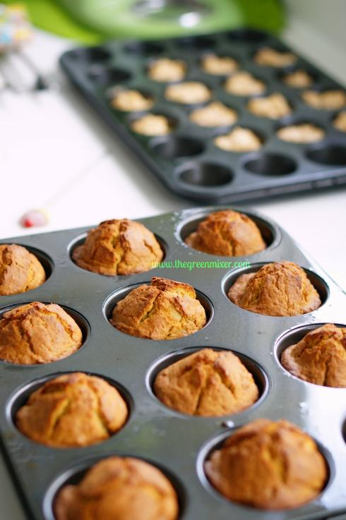 pumpkin doughnut muffins4_mini