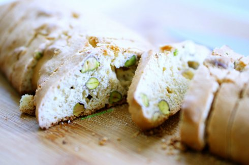 orange pistachio biscotti 4_mini