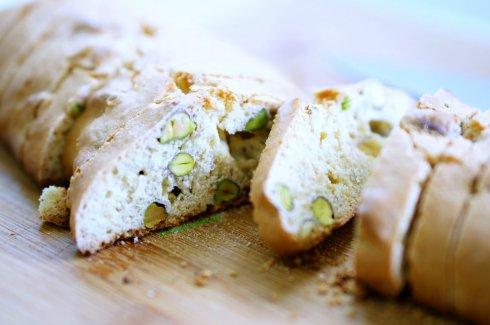 orange pistachio biscotti 4_mini