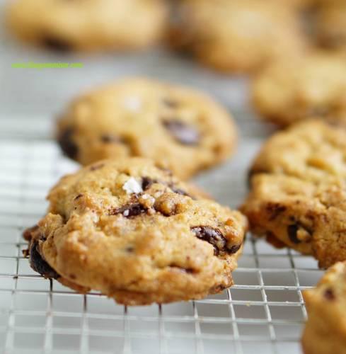salted chocolate chunk cookies 2_mini
