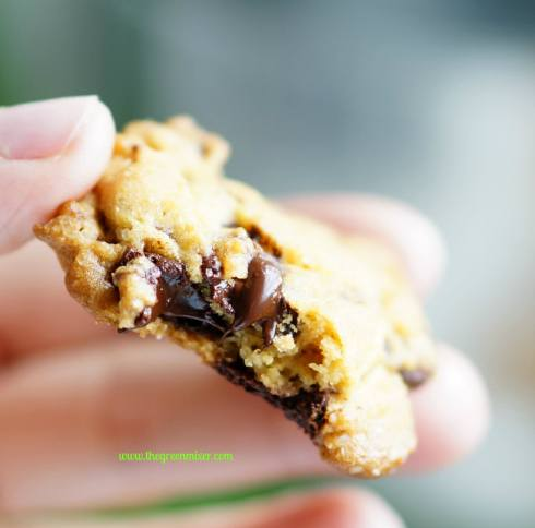 salted chocolate chunk cookies 5_mini