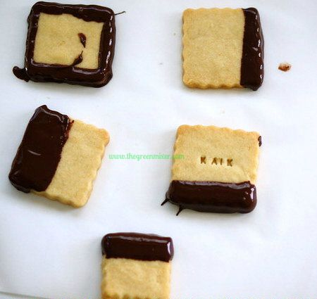 shortbread dipped in chocolate 4