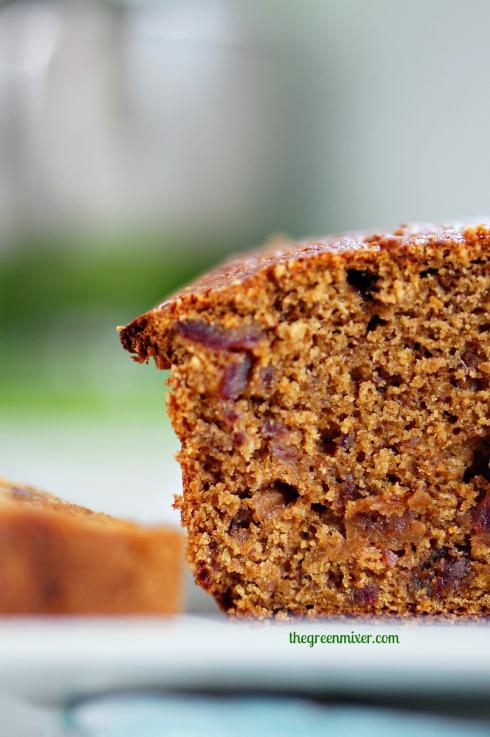 Κέικ με χουρμάδες και μπαχαρικά 5